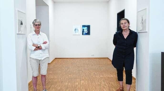 Können mit ihren Arbeiten wunderbar kommunizieren: Fernande Petitdemange (links) und Marie Dréa.