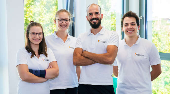 Voller Einsatz für die Patienten: Das Reha-Sport-Team vom Offenburger RehaZentrum - Sabrina Weidner, Sarah Figy, Mario Truetsch und Lars Bilharz (v. l.)