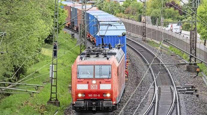 Die Logistiksparte der Deutschen Bahn soll Fahrt aufnehmen – und bald wieder Gewinne einfahren.