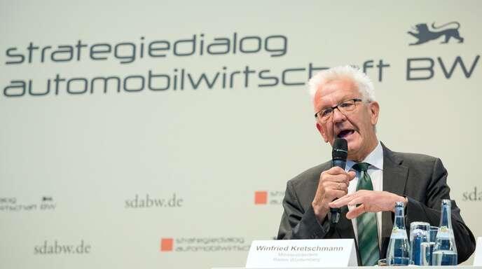 Der baden-württembergische Ministerpräsident Winfried Kretschmann hat den Strategiedialog Automobilwirtschaft ins Leben gerufen.