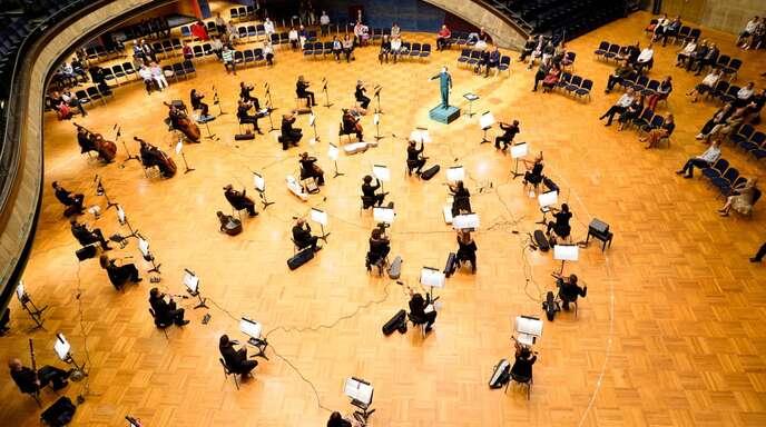 Klassisches Konzert in Corona-Zeiten in der Staatsoper Stuttgart: Kultur insgesamt fällt in konjunkturell lahmenden Zeiten gerne als erstes durchs Förderraster.