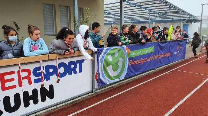 Gestern begann der Schultag der Offenburger Waldbachschüler im ETSV-Stadion.
