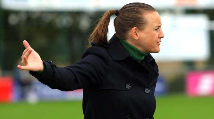 Nora Häuptle, die Trainerin des SC Sand, hofft am Sonntag in Bremen auf den zweiten Sieg in Folge.