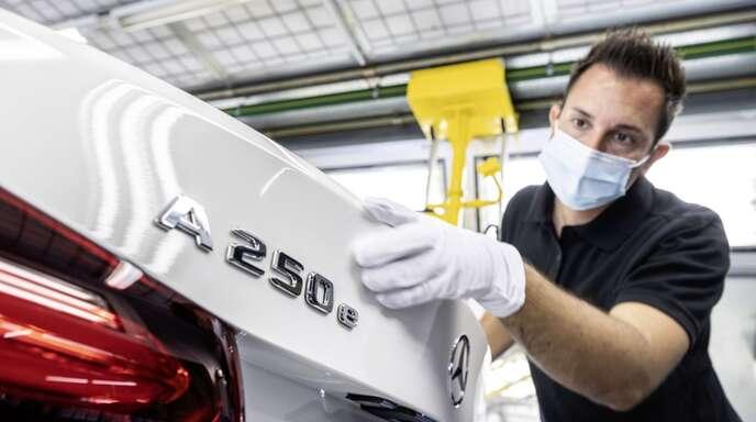 Elektrifizierte Mercedes-Benz-Modelle sind bei Unternehmenskunden besonders beliebt – im Bild eine A-Klasse als Plug-in-Hybrid.