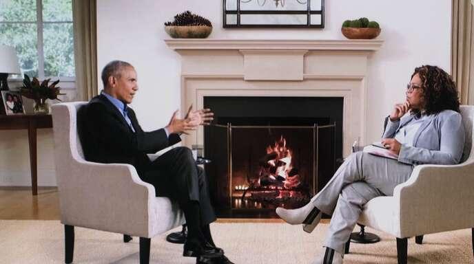 Es sieht nur so aus, als würden Barack Obama und Oprah Winfrey in einem Raum sitzen.