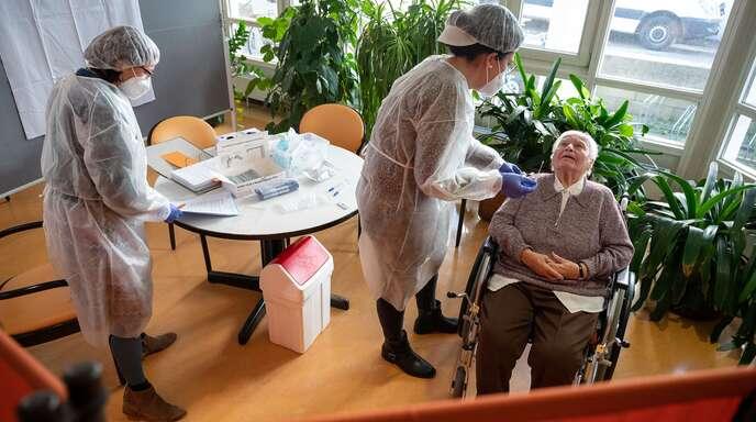 Virus breitet sich bei Senioren ungebremst aus