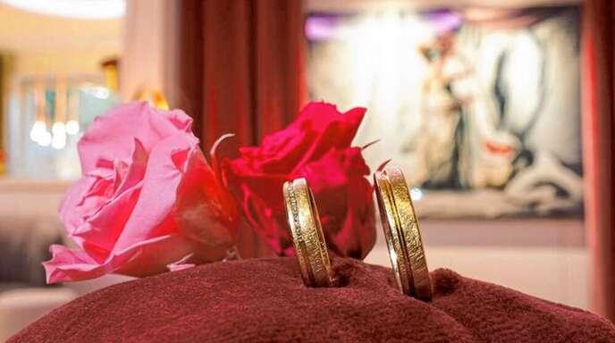 Tauchen Sie in die Trauringwelt von Juwelier Thüm in Kehl ein.
