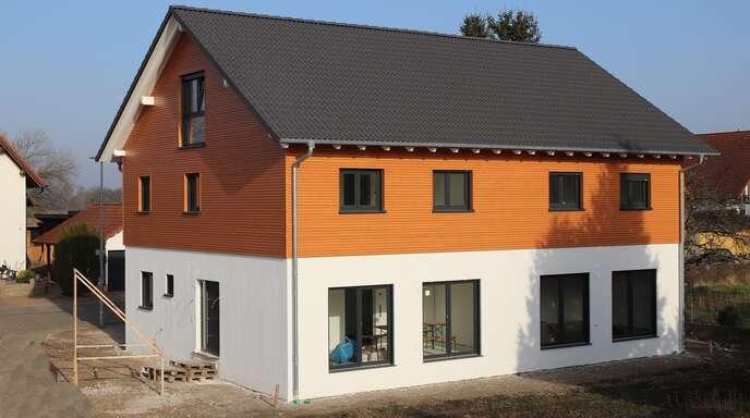 Die Modulbauten sind von traditionellen Häusern nicht zu unterscheiden.