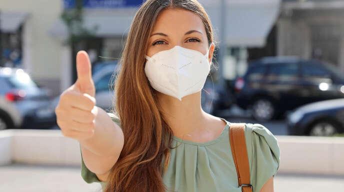 Erfahren Sie, wie Sie FFP2-Masken richtig tragen. Die wichtigsten Regeln zur Benutzung der Partikelfiltermasken im Überblick.