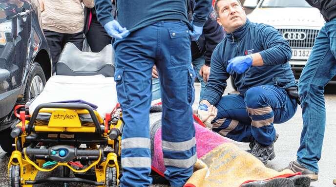 Der Rettungsdienst soll künftig schneller als bisher am Einsatzort sein. Das Land will die Hilfsfristen entsprechend anpassen.