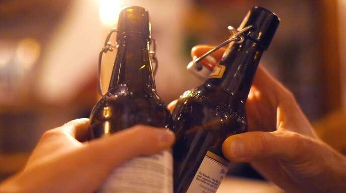 Durch die Corona-Pandemie haben viele Brauereien und Wirtschaften Probleme damit, ihre Getränke zu verkaufen.