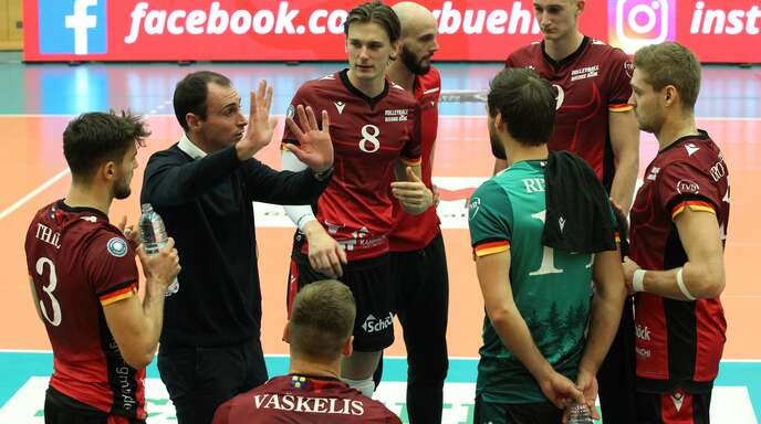 Bison-Coach Alejandro Kolevich wurde zwischendurch mal laut.
