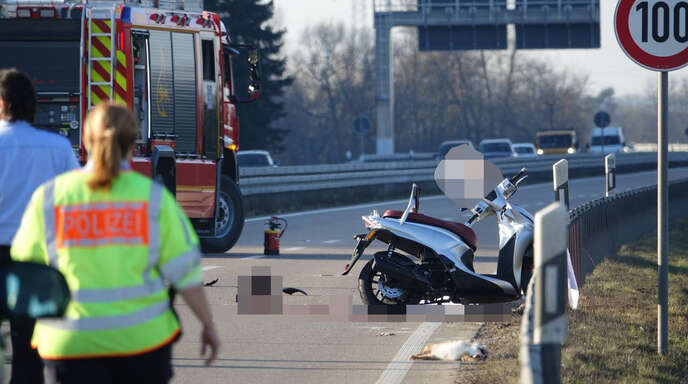 Tödlicher Unfalll auf der B33.