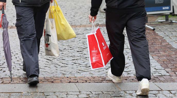 """Ab Freitag heißt es für die Einzelhändler wieder """"Click and Collect""""."""