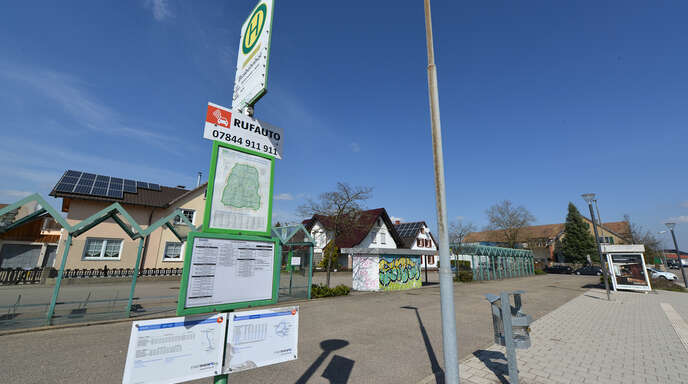 Mit den Mobilitätstationen soll – wie hier am Freistetter Busbahnhof – der Umstieg auf umweltfreundliche Transportmittel vereinfacht werden.