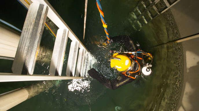 Am 22. Februar haben die Reinigung und Sanierung am Ranney-Brunnen in Offenburg begonnen. Am Montag kam es im Zuge der Arbeiten zu einem Unfall.