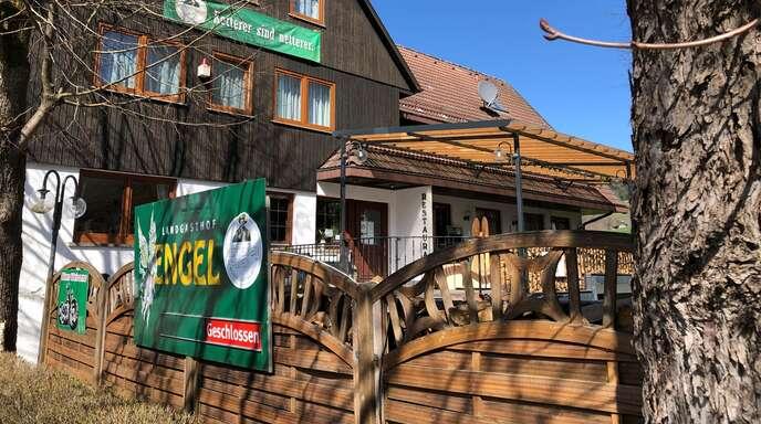 """Das Gasthaus """"Engel"""" hält sich an die Regeln und öffnet zu Ostern nicht. Wohnmobildinner darf Samuel Reichert aber offiziell anbieten."""