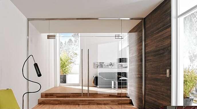 Mit der Natur und dem Licht leben - maßgefertigte Glaselemente von Kiefer Glas setzten den Traum vom modernen Wohnen um.