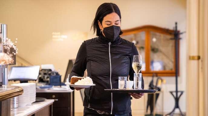 Arbeitnehmer im Einzelhandel oder in der Gastronomie haben oft mehrere Jobs.