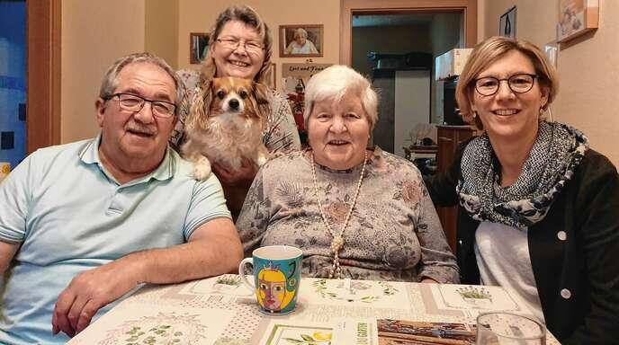 Gemeinsam statt einsam: Herbstzeit bietet häusliche Pflege mit Familienanschluss.