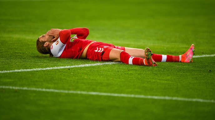 Lucas Höler kann seine vergebene Torchance zum 0:2 kurz vor der Pause nicht fassen.