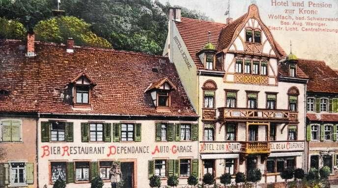 """1937 warb das Hotel """"Zur Krone"""" mit """"voruzüglicher Verpflegung zum bescheidenen Preis"""" und Komfort in allen Zimmern wie """"electrisches Licht und Centralheizung""""."""