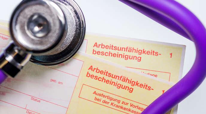 Mehr als die Hälfte aller Versicherten der AOK Südlicher Oberrhein waren im vergangenen Jahr mindestens einmal krankgeschrieben.