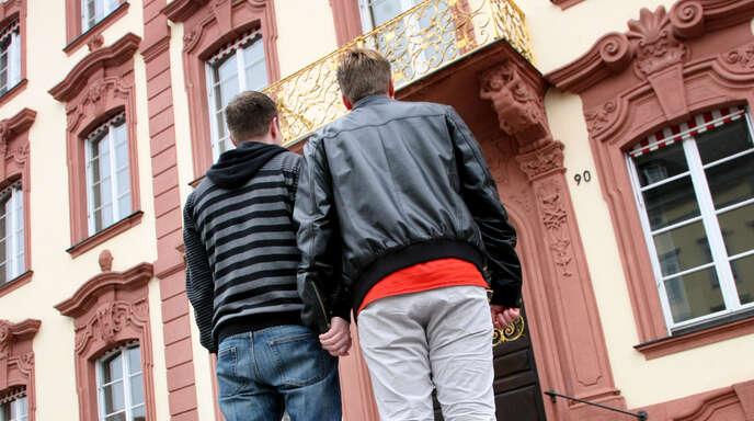 """Viele Gläubige erleben dieses """"Nein"""" aus Rom zur Segnung von gleichgeschlechtlichen Beziehungen außerhalb der Ehe als einen Widerspruch und eine Ausgrenzung sowie als Missachtung der Suche von Menschen nach Akzeptanz und Wertschätzung."""