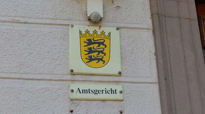 Ein 19-Jähriger führ alkoholisiert auf einen Baum. Nun stand das Verfahren vor dem Acherner Amtsgericht an.