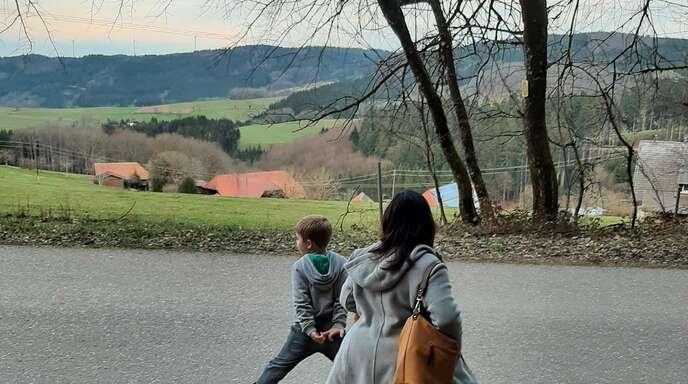An verschiedenen Stationen gilt es beim Trimm-dich-Pfad des VfK Mühlenbach verschiedene Fitnessübungen zu bewältigen – teilweise vor traumhaftem Panorama.
