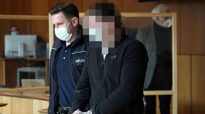 Ein 31-Jähriger ist wegen eines Raubüberfalls auf ein Ortenauer Ehepaar angeklagt. Nach dessen Aussagen handelt es sich bei ihm um den Haupttäter.
