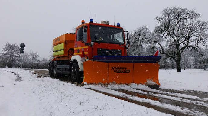 Die Mitarbeiter des städtischen Betriebshofs hatten in diesem Winter vergleichsweise viel zu tun, um mit ihren Räum- und Streufahrzeugen die Straßen im Stadtgebiet in einen verkehrssicheren Zustand zu versetzen.