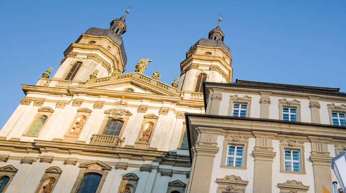 Unter anderem war eine barocke Johannesfigur aus dem Kloster Schöntal betroffen. Foto: Christoph Schmidt/dpa +++ dpa-Bildfunk +++