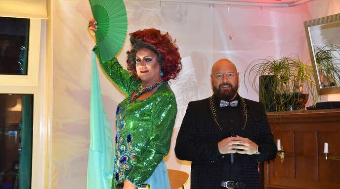 """""""Mühlen-Café""""-Stammgäste wie das Travestie-Duo Chapeau Claque würden gerne wieder im Rahmen der """"Kult-Tour""""-Abende in Willstätt auftreten. Aber auch für sie geht derzeit nichts."""