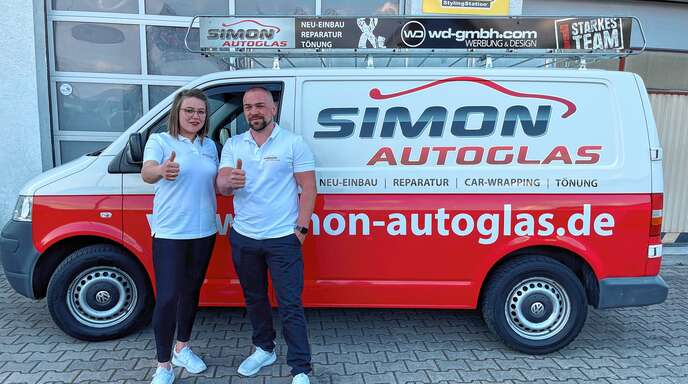 Nicht nur Reparatur und Einbau neuer Scheiben übernimmt Simon Autoglas, es werden auch pfiffige Lösungen für Car-Wrapping und Scheibentönungen angeboten.