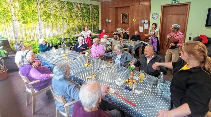 In der Tagespflege erwartet die Senioren ein abwechslungsreiches Programm.
