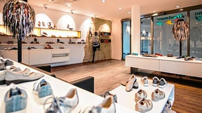 Die Geschäftsräume in Offenburg. Hier gibt es auch eine breite Auswahl an gutem Schuhwerk.