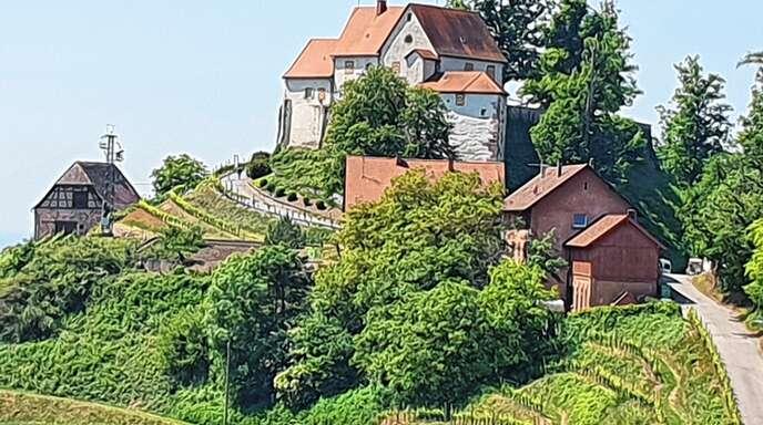 Auf dem Weg von Gengenbach nach Oberkirch fährt man durchs Durbachtal zum Schloss Staufenberg.
