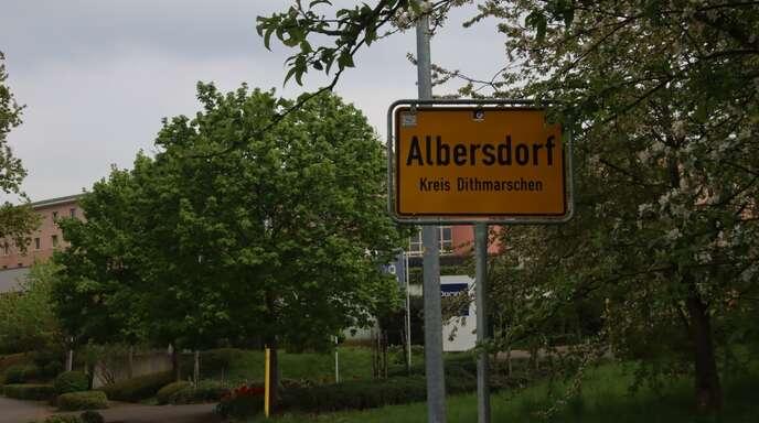 """An der Durbacher """"Alm"""" beim Hotel """"Vier Jahreszeiten"""" hieß es plötzlich """"Albersdorf""""..."""
