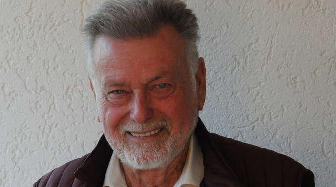Rolf Baron feiert seinen 80. Geburtstag. Mit seinen vielfältigen ehrenamtlichen Aktivitäten hält er sich körperlich und geistig fit.