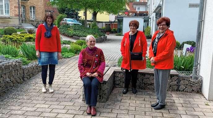 Gemeinsam zu lachen ist auch im Trauerprozess schön (von links): Irmtraud Mussler, Adelheid Wagner, MonikaJakob-Lohrig und Waltraud Schöner.