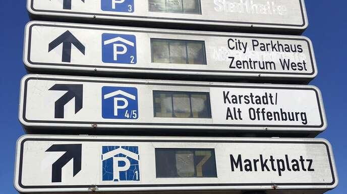 Ist ein Parkleitsystem (wie hier in Offenburg) genau das Richtige für Achern oder wird dadurch das Umsteigen auf andere Verkehrsmittel als das Auto untergraben?