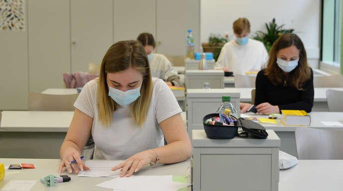 Mit der Prüfung im Fach Deutsch starteten am Dienstag auch im Anne-Frank-Gymnasium (AFG) Rheinau die Abiturprüfungen unter Pandemiebedingungen.