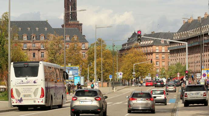 Ab kommenden Jahr dürfen nur noch Fahrzeuge mit Plakette nach Straßburg fahren.
