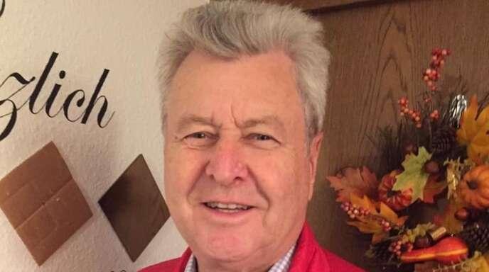 Helfer in der Not: Wenn Menschen aus seinem Umfeld beim Buchen eines Impftermins nicht weiterkommen, hilft Bernd Schneider mit Geduld und Geschick weiter.