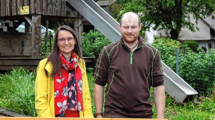 Soziales Engagement: Carmen Schöngraf bedankte sich bei Clemens Jilg für seine Spendenaktion.