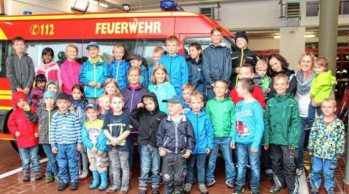 Ein Besuch bei der Feuerwehr gehört fest zum Ferienprogramm.