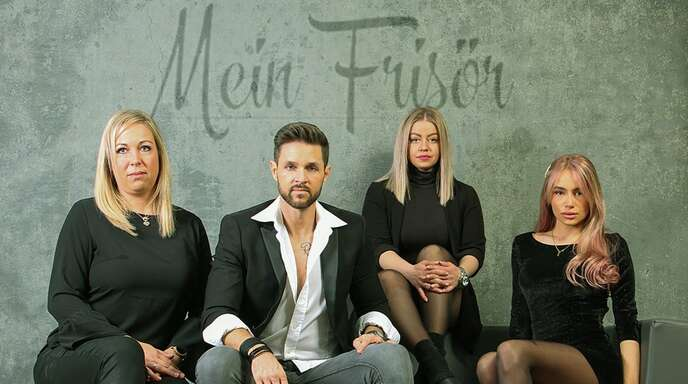 """Das """"Mein Frisör""""-Team (von links): Sonja Godau, Elmar Friedrich (Inhaber), Caren Hüfner und Julia Leitermann."""