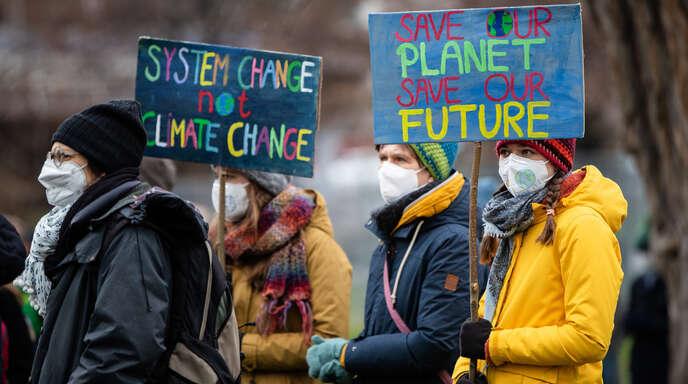 Am 19. März wurde wie hier in Stuttgart in vielen Ländern für besseren Klimaschutz demonstriert.