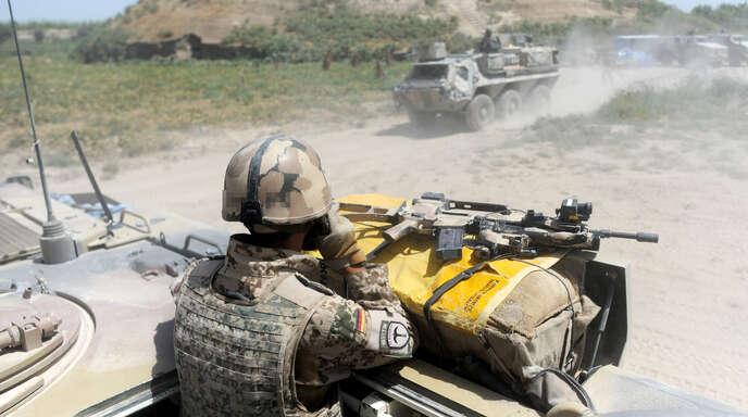 Afghanistan, Kundus: Bundeswehrsoldaten 2011 nahe Kundus im Einsatz.